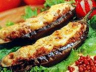 Папуцаки - пълнени патладжани с кайма, домати и кашкавал по гръцки